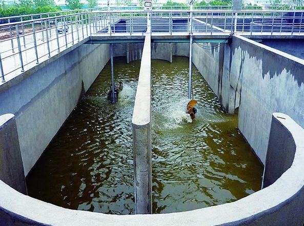 污水处理厂区一角