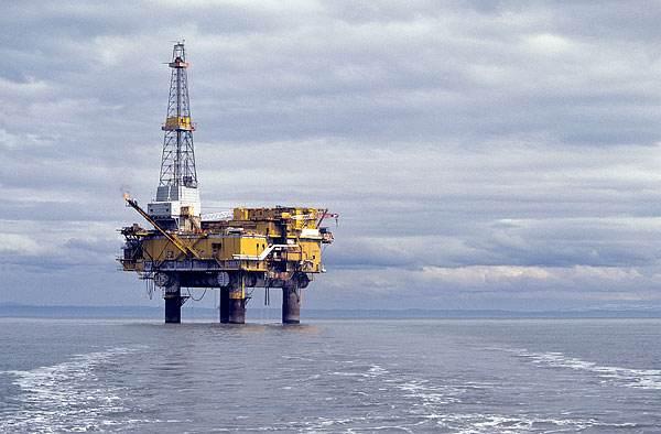 海上油田图